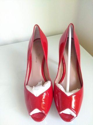 Zapatos tacón charol rojo Gloria Ortiz