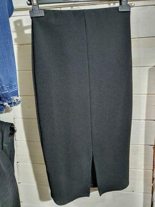 Falda tubo, negra. Talla S.