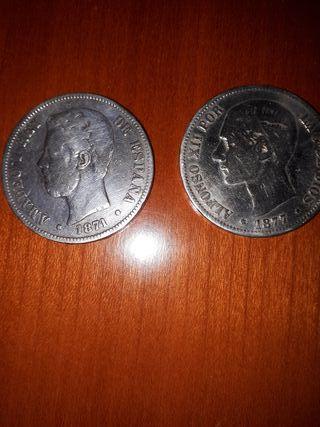 Dos monedas de plata