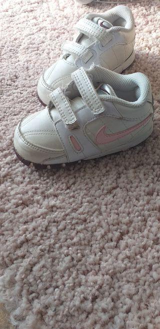 Zapatillas bebé NIKE t 20