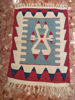 Alfombra tipo kilim
