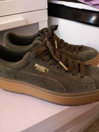 zapatillas puma suede con plataforma, talla 39