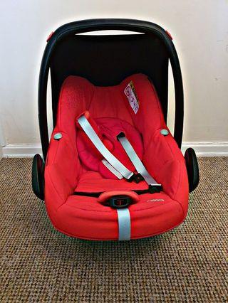 Maxi Cosi Car seat + ADAPTORS INCLUDED!!!
