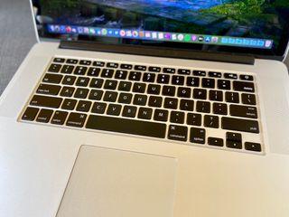 Apple Macbook pro retina 15 2012 i7 8GB Ram 256SSD