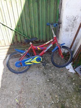 vendo bicicleta pequeña