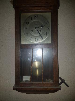 reloj antiguo funcionando