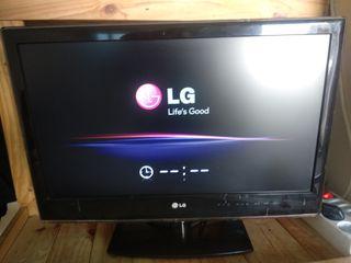 "TV de 21"" LG , compatible con PC."