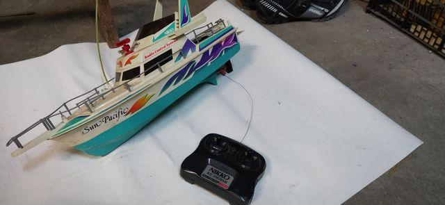 Barco Teledirigido a reparar