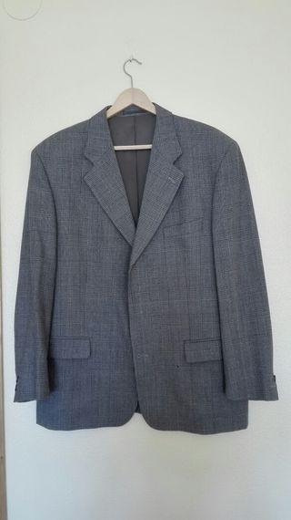 Elegante traje de hombre, marca Cortefiel talla 56