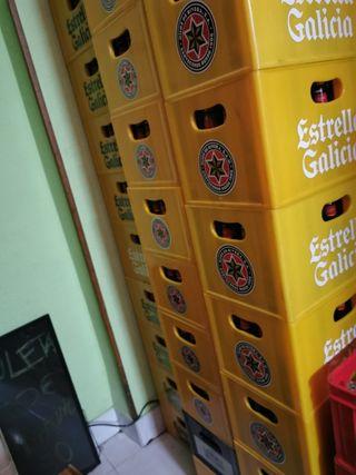 cajas de cerveza estrella Galicia 25 c vacias