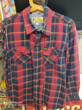 dos camisas Lois talla 10