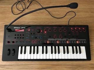 Sintetizador analógico/digital Roland JD-XI