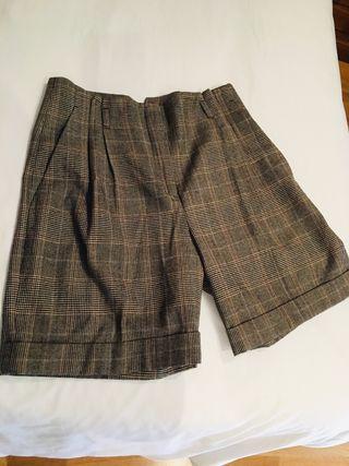 Pantalón corto de lana