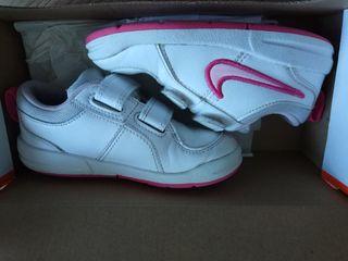 Zapatillas de deporte de Nike blancas talla 26 niñ