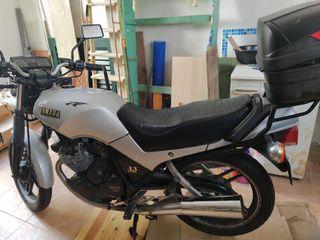 moto, Yamaha 400, en Baleares