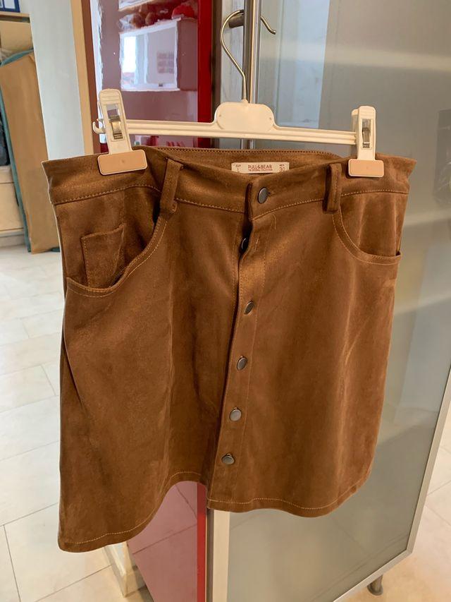 falda corta de ante marron