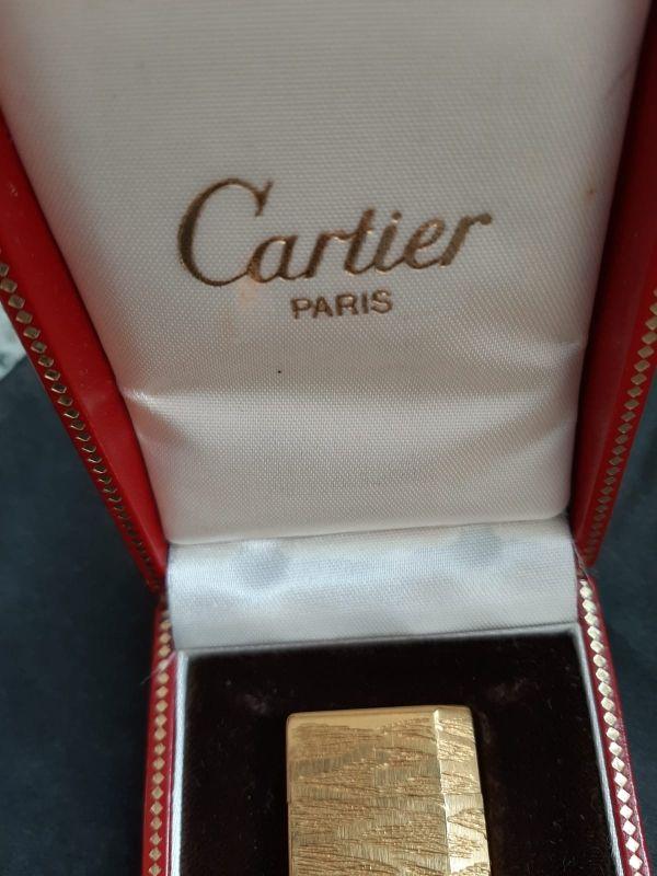 Mechero Cartier bañado en oro 18 Kilates