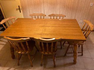 Mesa de madera maciza con 6 sillas