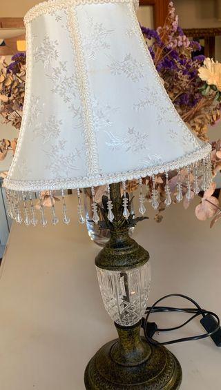 Lámpara de mesa Antigua