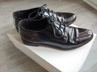 Zapato charol negro mujer
