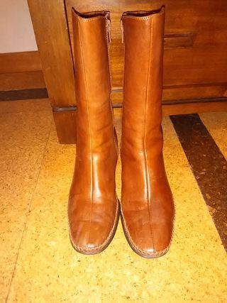 botas marron pikolinos numero 37