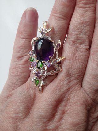anillo de plata con piedra natural de Amatista