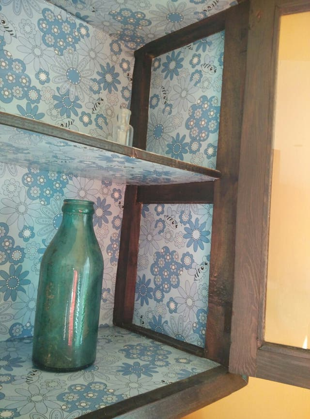 Mueble muy antiguo restaurado
