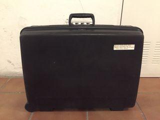 Vendo maleta Delsey