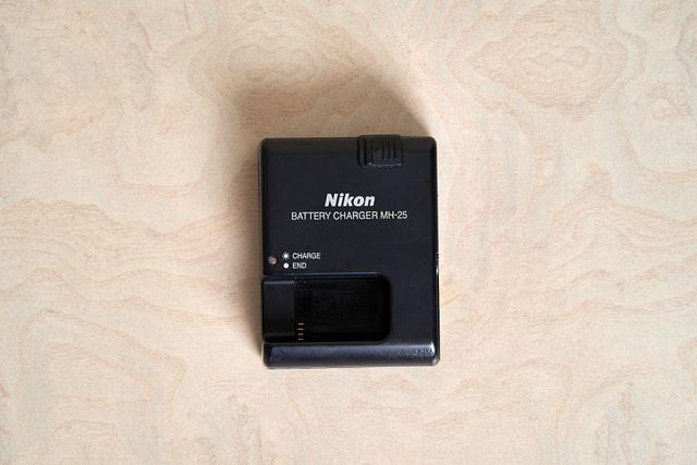 Cargador de la batería MH-25 - NIKON