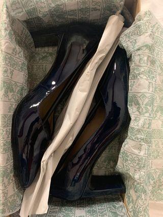 Zapatos nuevos Unisa azul marino talla 37
