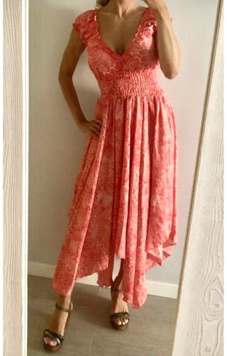 Vestido sin mangas asimétrico