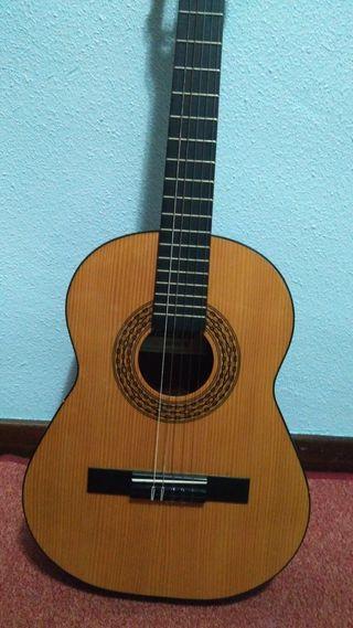 Guitarra Española Infantil {Hand crafted in Spain}