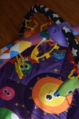 Manta de juegos / gimnasio para bebés