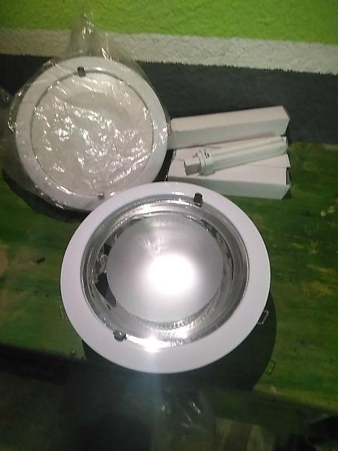 Dos lamparas de encaste nuevas
