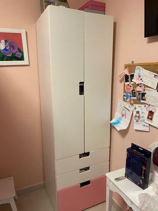 Cama litera con escritorio y armario.( sin colchon