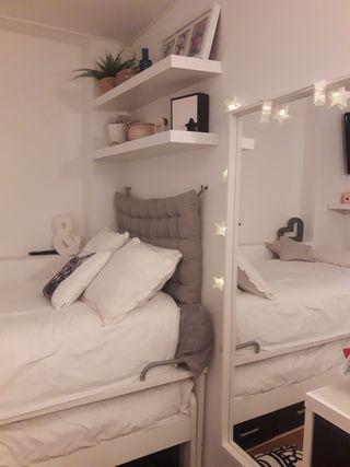Conjunto camas y escritorio blanco/negro