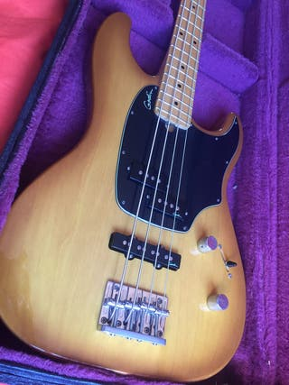 Bajo Godin Shifter 4 made in Canadá impecable
