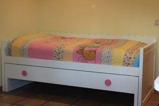 Cama y mueble juvenil