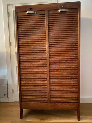 Antiguo armario archivador de persianas