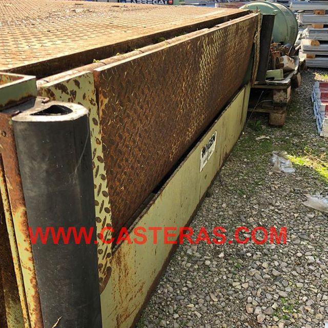 Muelle de carga con rampa hidráulica