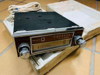 Radio Emerson con pistas para coche clásico