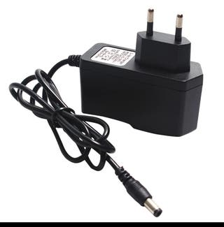 Cargador Bateria Litio 12v CC. NUEVO SIN USAR.