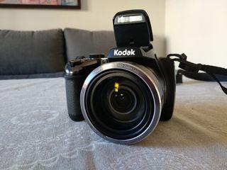 Cámara Kodak PixPro AZ525.