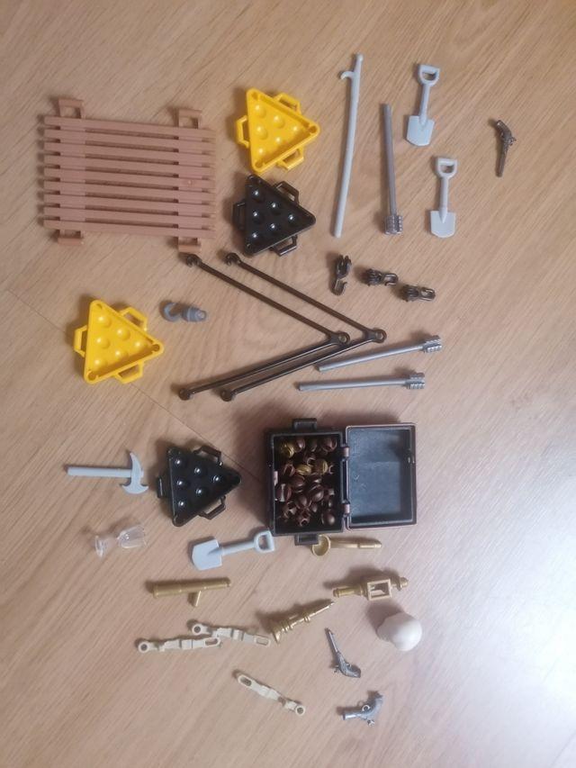 Lote de accesorios piratas de playmobil