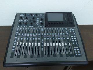 Mesa mezclas Behringer X32 Compact