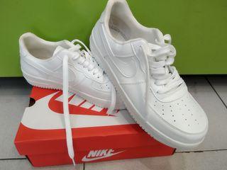 Nike Air Force Blancas nunero 43
