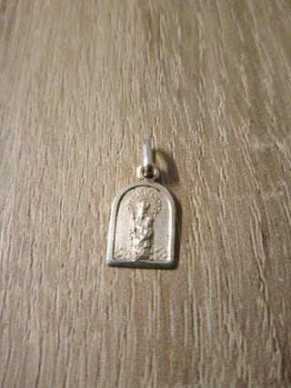 Colgante Medalla de Plata de la Virgen
