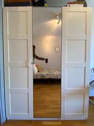 Armario tres puertas Ikea