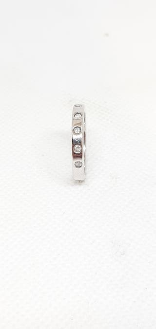 Anillo de oro blanco y brillantes