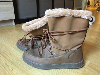 Botas impermeables aptas para la nieve